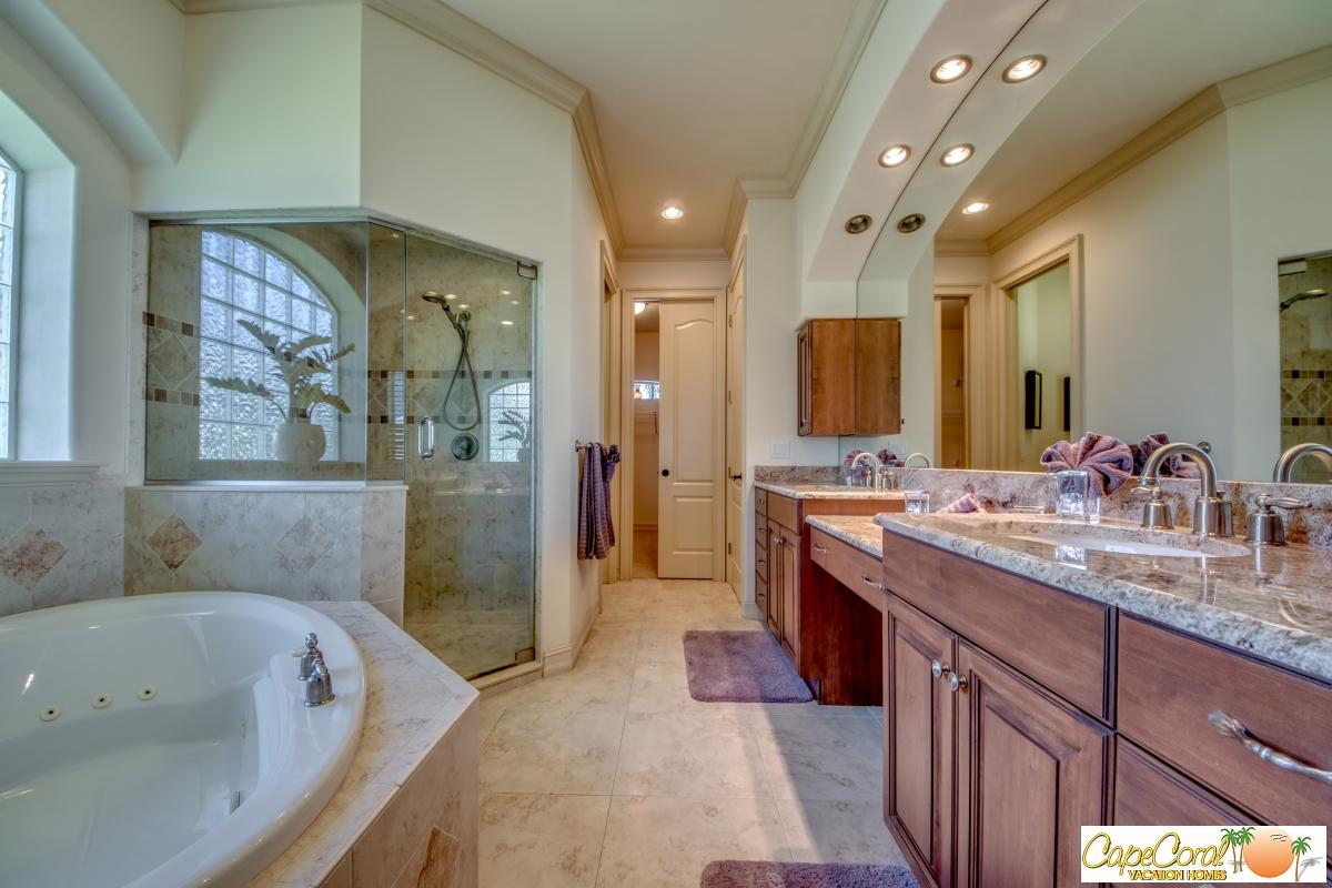 40-Master Bathroom