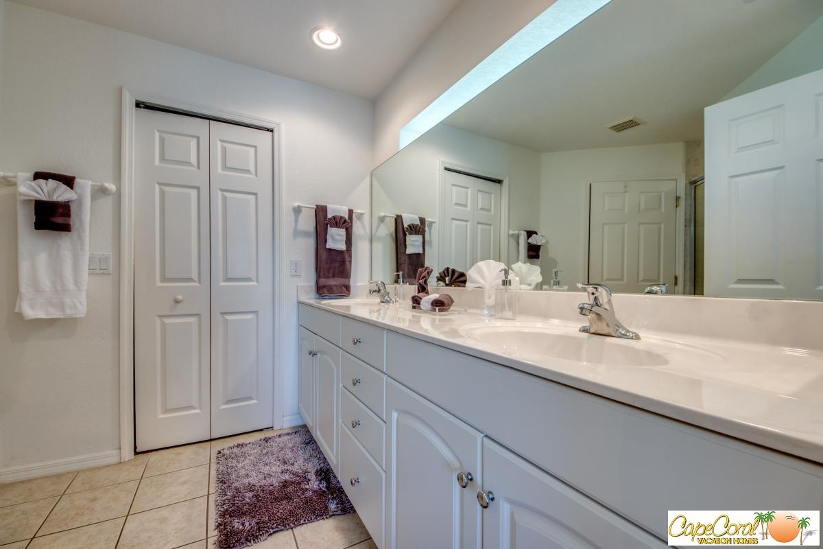 33-Master Bathroom