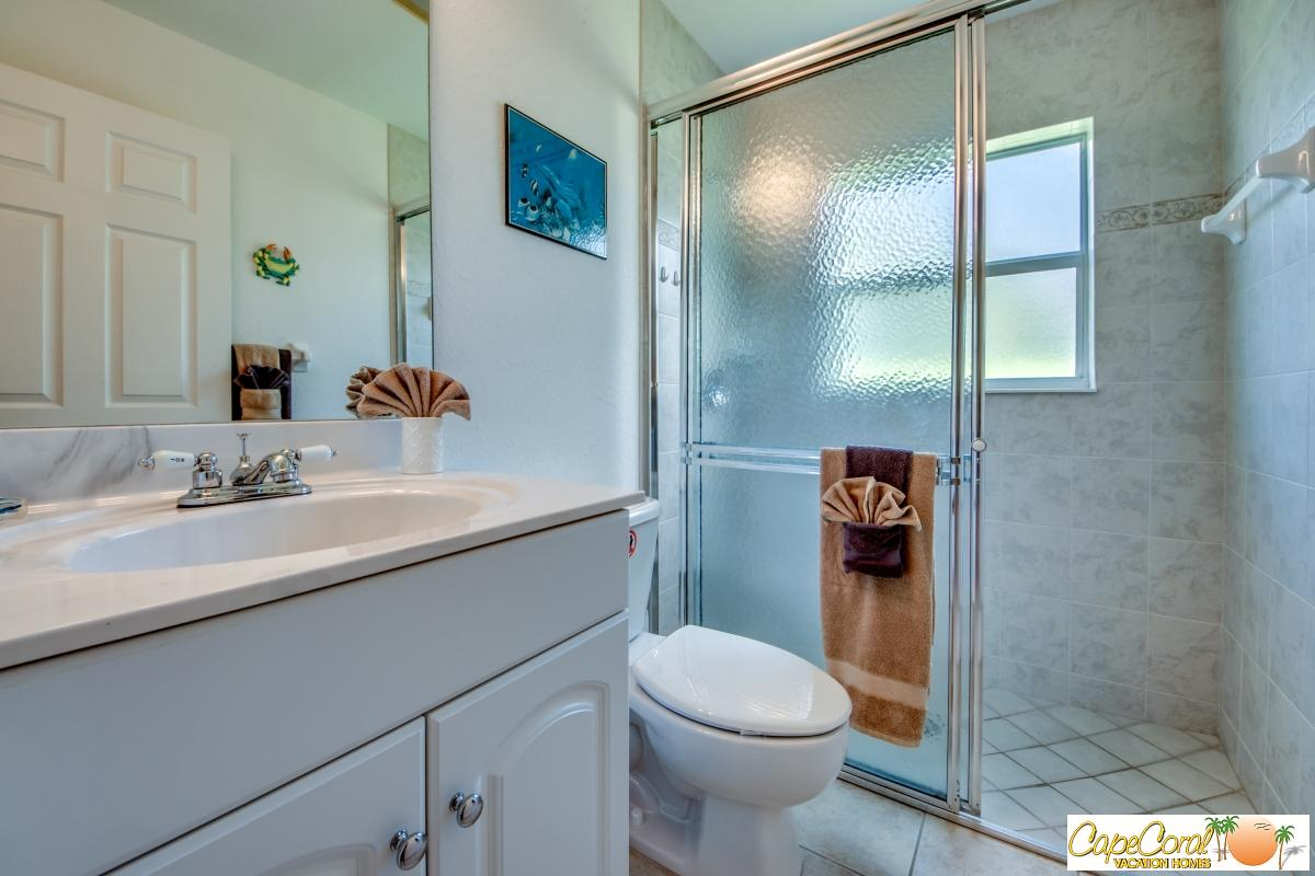 40-Guest Bathroom